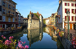 Visit idyllic Old Town Annecy